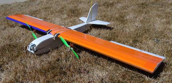 Aeromodelo Bimotor em Depron - Easy Twin